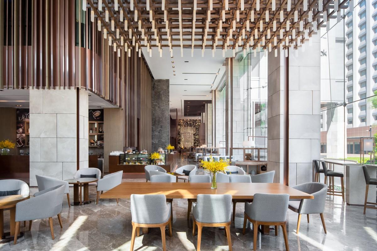 6-1 - Curve 55 - Lobby Lounge (1)